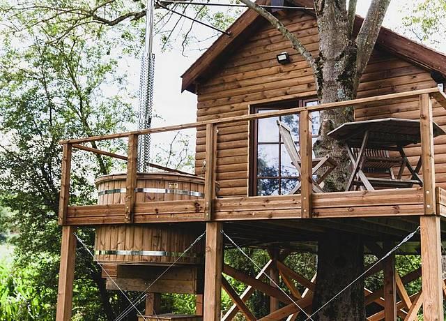 chalet avec jacuzzi privatif et sauna dans la campagne province luxembourg dreamy chalet