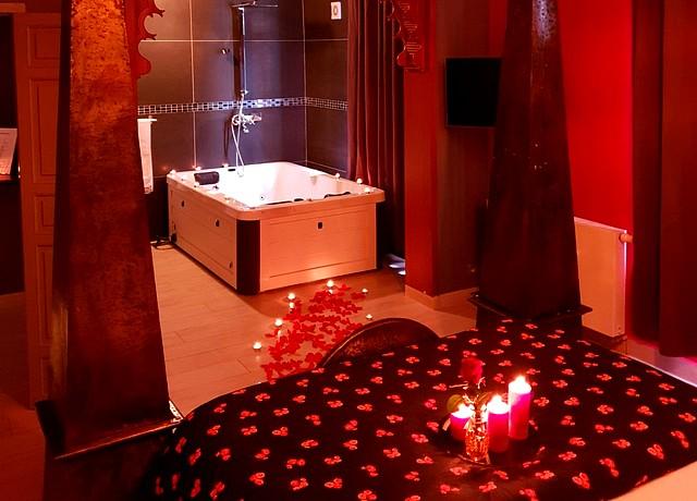 hotel et chambre avec jacuzzi privatif riad vennes