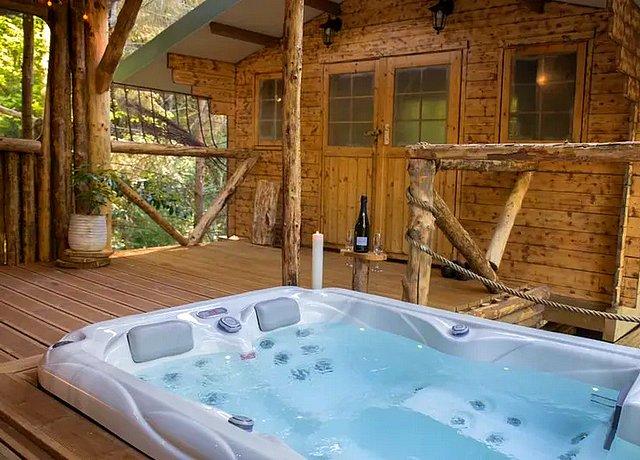 chalet cabane avec jacuzzi privatif luxembourg belgique wooden nest durbuy