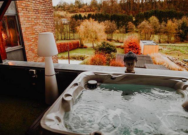 Suite d'une chambre avec jacuzzi privatif dans la province de Namur, à At Home