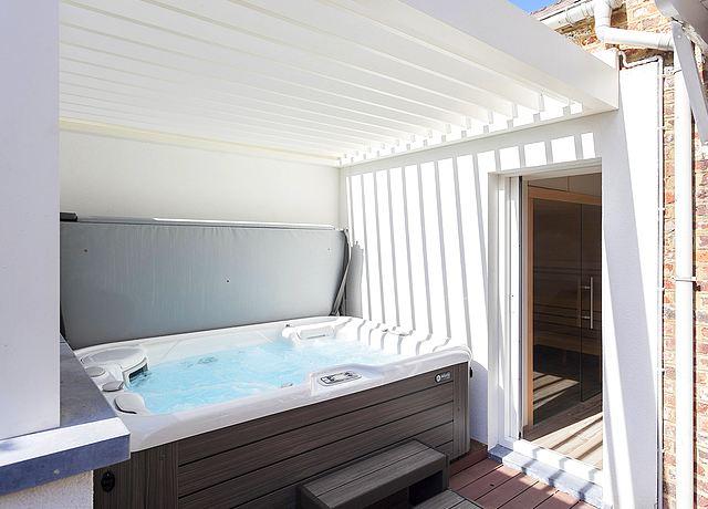 Espace Wellness avec spa et jacuzzi privatif proche de Namur à Elementy