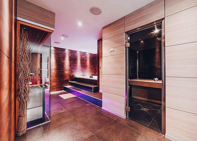 Espace bien-être avec spa et jacuzzi privatif à Namur à Espace Salamandre