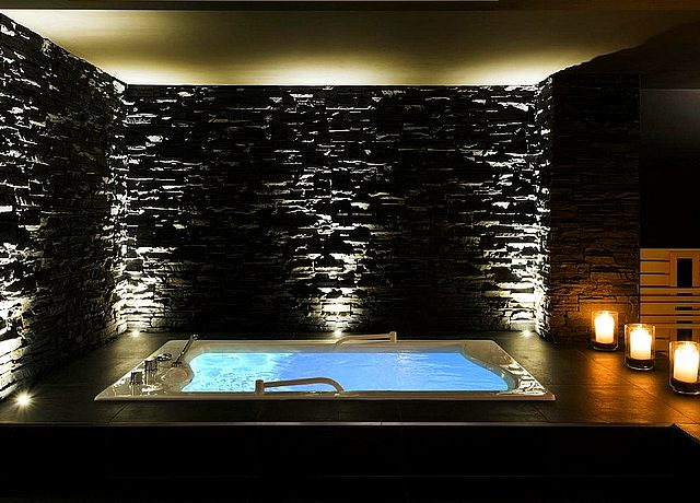 Hôtel avec espace spa et jacuzzi privatif à Namur